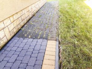 clean expert czyszczenie kostki brukowej z trawy i mchu